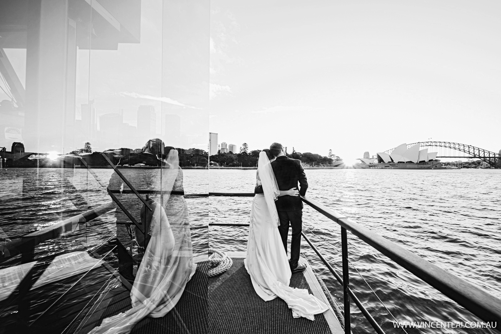 The Sydney Glass Island Wedding Vessel
