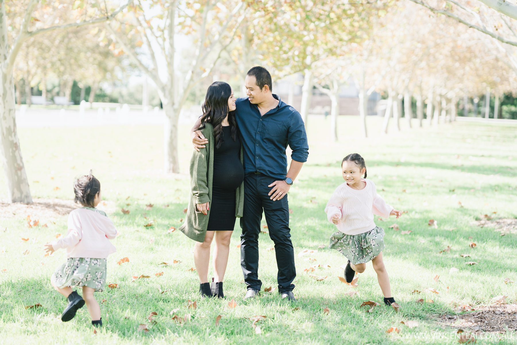 Autumn Lifestyle Outdoor Family Portrait Photography